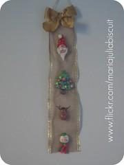 Enfeite de porta (Alane  maria julia biscuit) Tags: natal handmade artesanato biscuit guirlanda porcelana enfeite porcelanafria feitoamo enfeitedeporta