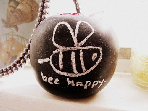 bee happy.