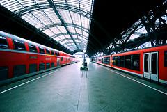 feeling lonely (micagoto) Tags: station topv111 topv333 gare platform db leipzig bahn hbf grundig bahnsteig regio