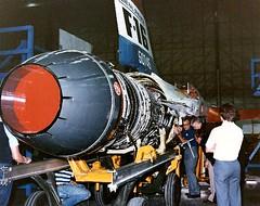 Anglų lietuvių žodynas. Žodis aircraft engine reiškia orlaivio variklis lietuviškai.