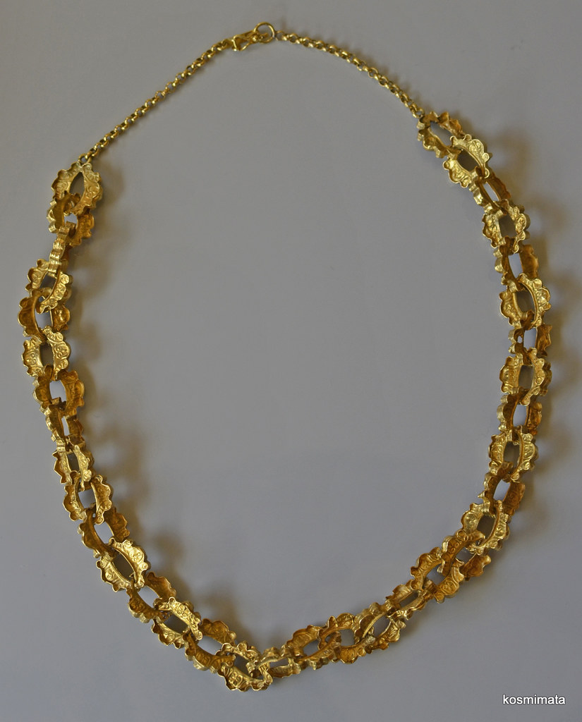 18th cent. Antique 22k gold Embossed Chain Necklace