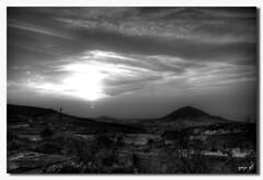 CALIMA Y ATARDECER EN BLANCO Y NEGRO... (yeyo gil) Tags: blancoynegro paisaje canarias calima nortedegrancanaria canon40d bn052008