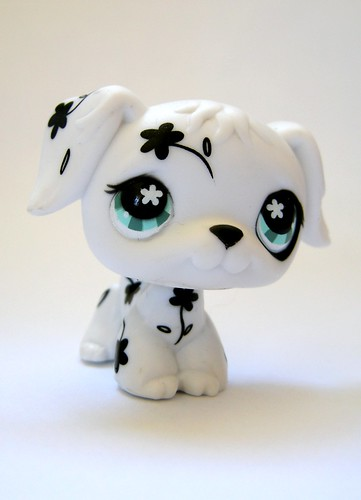 LPS BLACK AND WHITE FLOWERED DOGGIE by unaerica.