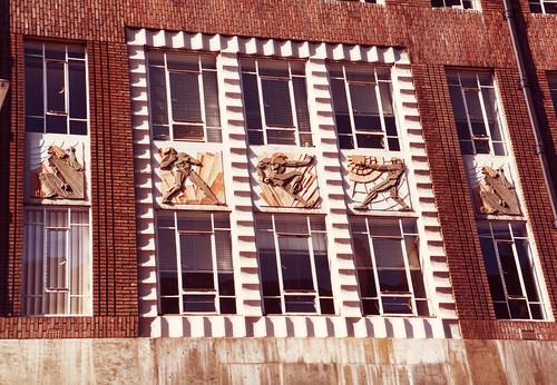 Fachada de edificio moderno estilo Art Deco