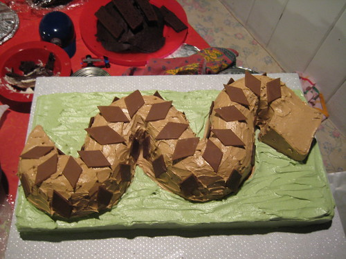 snake cake, making of the