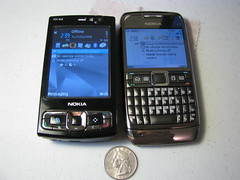 nokia n95 8gb vs nokia e71