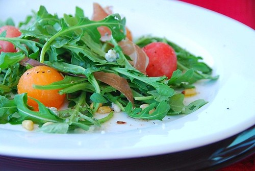 wild arugula salad with melon and proscuitto