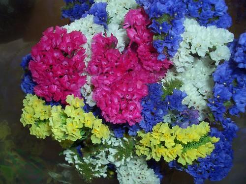 Ram de flors de tots colors que em van regalar els pares quan vaig fer 43 anys