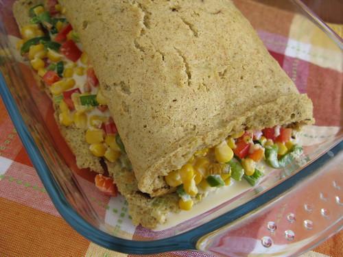 Rocambole de alho poró, milho e requeijão
