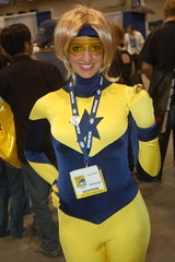 Comic Con 2008: Booster Gold (earthdog) Tags: 510fav star costume sandiego cosplay goggles ring hero superhero dccomics 2008 comiccon justiceleague crossplay boostergold unknownperson comicbookcon sdcci comiccon08 upcoming:event=320876 flightring needscamera needslens