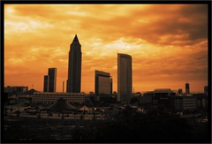 IMG_4106_DxO_raw_Finished (bb_productionz) Tags: sky skyline night sonnenuntergang frankfurt burning vanilla dmmerung messe castor commerzbank mariott dresdner vanillasky messeturm zirkus helaba polux sigma18200mmf3563dc cominvest