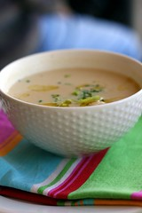 Cauliflower leek and cider soup with gruyere cheese dropper scones