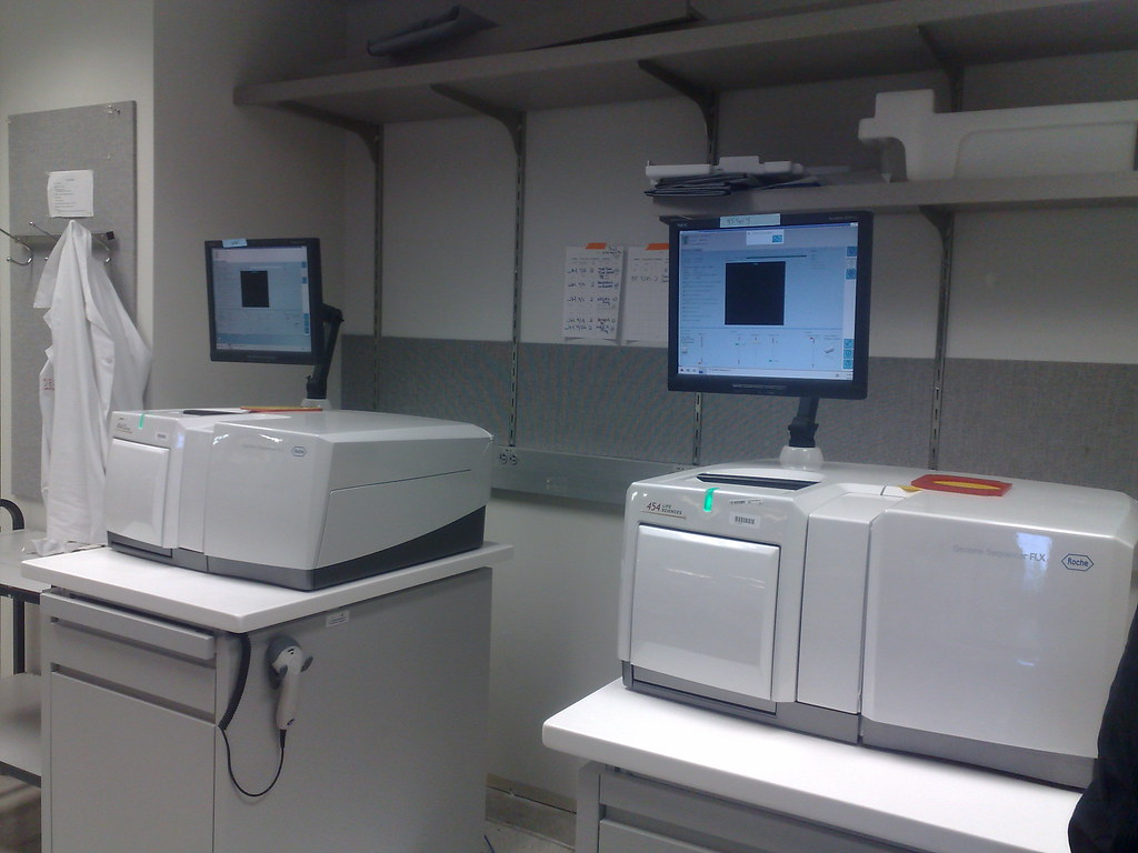gene sequencing machine