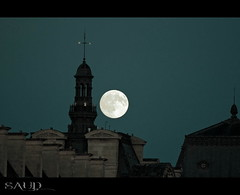 Moon over Church (SAUD AWWAD) Tags: moon paris church 14 over nights باريس قمر