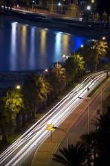 (quephone) Tags: longexposure sea cars lights luces mar coches mediterrneo mlaga rpido prisa largaexposicin paseomartimo rapidez lamalagueta prisamata marserena laruedaelmejorinventodelhombre laruedaelpeorinventodelhombre estpidaprisa vivirrpido morirrpido