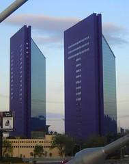 torres moradas