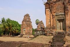 Kambodscha , Bakong-Tempel , Wunderschön inmitten eines Palmenhains gelegen -  83 (roba66) Tags: travel asia asien cambodia kambodscha urlaub ruine explore siemreap angkor bauwerk tempel eastasia bakong earthasia roba66