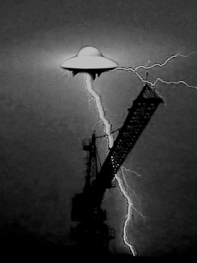 UFO4 400x533