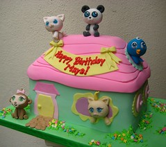 the biggest littlest pet shop (Artisan Cakes by e.t.) Tags: cake et fondant littlestpetshop sugarmodelling artisancakes