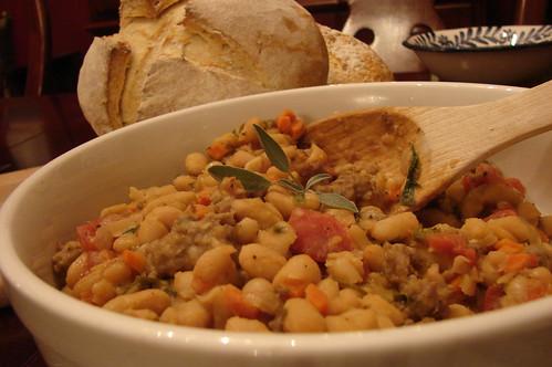 Tuscan Beans & Bread