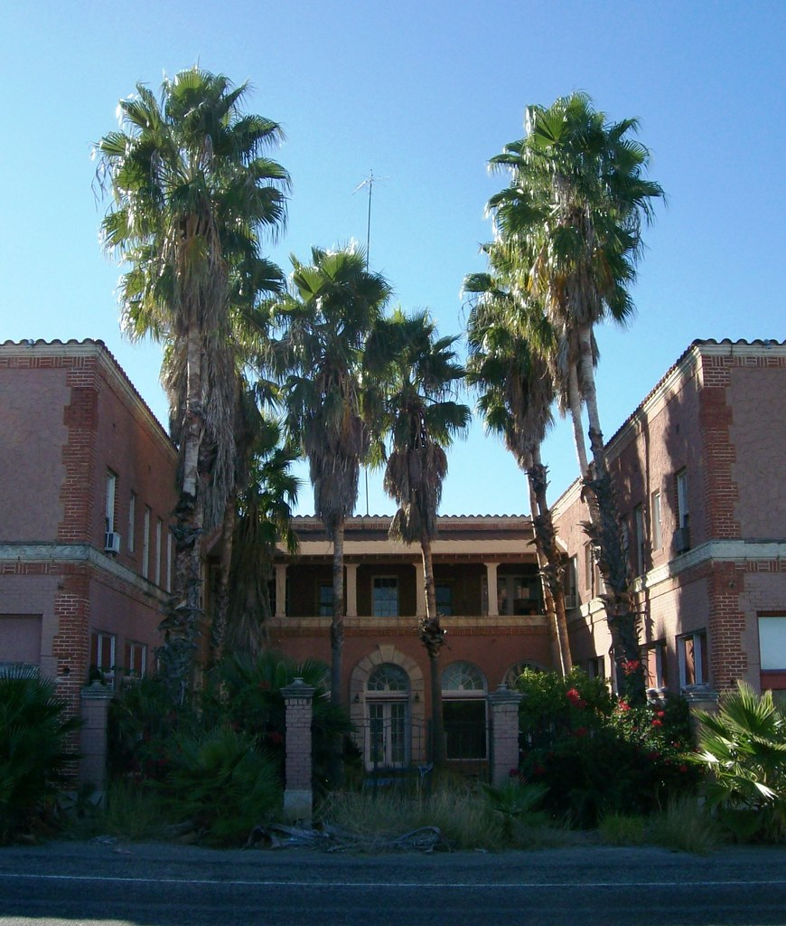 Grand entrance at the now-derelict Royal Palms Hotel in Catarina, TX - catarina037x