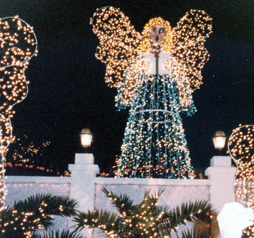 Al Copeland's light display, 1983 - Clever-Lazy: Flashback To 1983: Copeland's Christmas Display