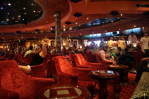 Carnival Splendor - Waiting in El Morocco Lounge