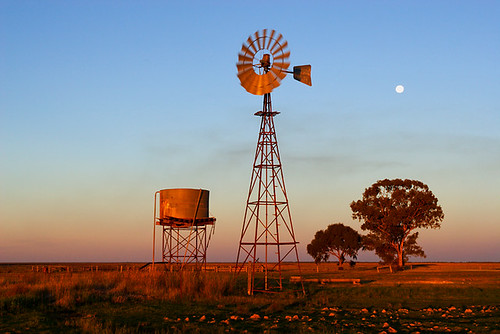 Narrandera, New South Wales, Australia, Newell Highway, windmill IMG_4140_Windmill_Narrandera