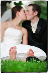 Give Them a  Foot (Ryan Brenizer) Tags: park wedding woman man love feet june foot groom bride kiss toes iowa noflash davenport 2008 formals d3 70200mmf28gvr dayaftershoot chelseaandgarrett