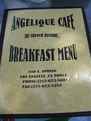 angelique cafe 001