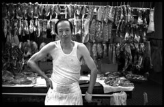 butcher 2/1 - Central, Hong Kong (Paul Swee) Tags: food one day streetphotography hong kong summicron xp2 bj olympic ilford  m50 leicasummicronm50mmf2 paulswee leicasummicron50mmf20v leicammount  2008augroll4