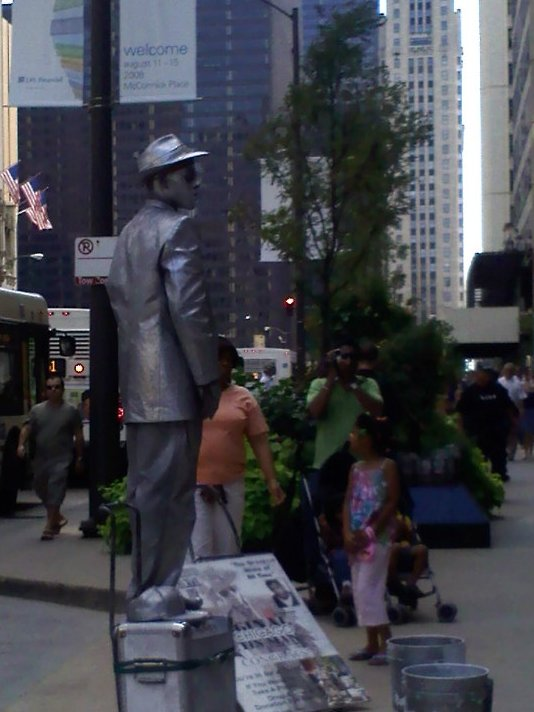 The Original Chicago Tin Man street performer
