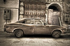 Oldies (Khaled A.K) Tags: car sa jeddah balad saudiarabia khaled hdr ksa saudia 5xp kashkari