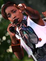 Estelle (corey_bayless) Tags: seattle music scene bumbershoot seattlemusic bumbershootsaturday washingtonseattle seattlemusicscene coreybaylessphotography citizenimage2008 bumbershootseattlewashington bumbershootseattlecenter bumbershootlivepictures bumbershootpictures