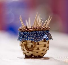 Canastita (Pablo Ch) Tags: canon basket toothpick toothpicks canasta xsi 50mm18 palillos mondadientes 450d escarbadientes