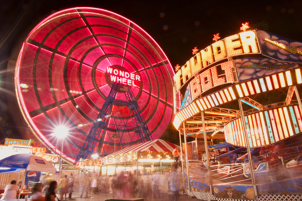 The lights of Wonder Wheel Park