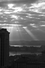 sol entre las nubes sobre A Corua (briveira) Tags: espaa sun sol clouds spain corua ray galicia nubes rayos briveiracom