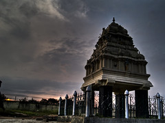 Kempgowda Mantapa (mm_karthik) Tags: morning india architecture garden bangalore karnataka bagh hdr karthik lalbagh lal mantap kempe gowda kempegowda