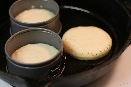 Crumpets on the skillet