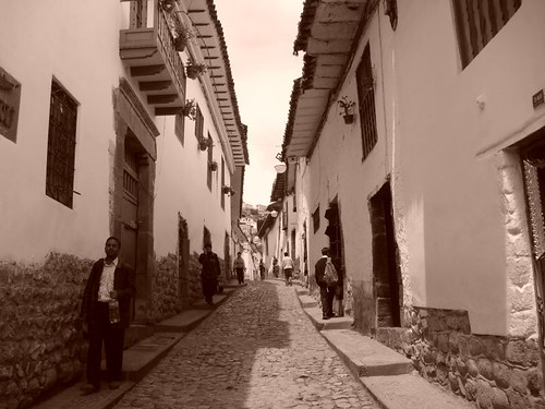 Narrow Cusco street in the San Blas quarter.