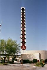 Baker - El termómetro más alto del mundo