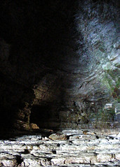 Robin Lythe's Cave (St Stev) Tags: ocean uk sea england landscape coast waves britain head pirates yorkshire north caves coastal pirate limestone cave geology smuggler rd smugglers blackmore flamborough lythe lyth nyorks flambrough lythes lyths