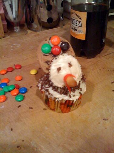 pumpkin cupcake turkey
