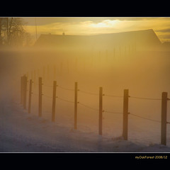 The golden Farm (MyOakForest) Tags: schnee sunset mist snow fog fence golden sonnenuntergang nebel farm zaun dunst mywinners abigfave superaplus aplusphoto myoakforest
