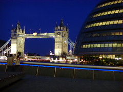 Tower Bridge (carlosjg75) Tags: bridge blue light london tower history luz azul night puente noche monumento edificio ciudad urbano moderno
