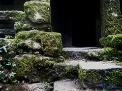 Detalle Muio das Maquias por TeresalaLoba (TeresalaLoba) Tags: mill moulin stones molino galicia vigo piedras muio zamans zamanes muiodasmaquias teresalaloba lagodezamanes