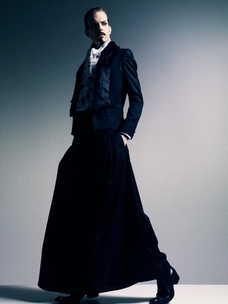 Felipe Dominici0089_GalaabenD AW11(Fashionsnap)