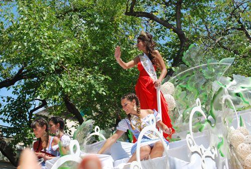 Festa da Vindima, Carrossel das Rainhas