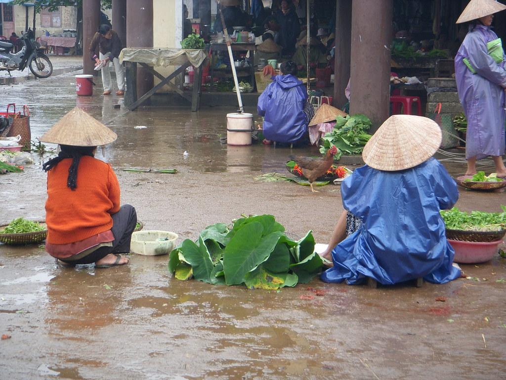 mercado en las afueras de Hue