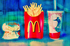 iam lovin' it (Aih.) Tags: food drink burger fastfood fast meal macdonalds happymeal zenatel3ain zenoh ymmi macdonaldz